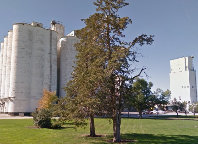 grain elevators in Ralston